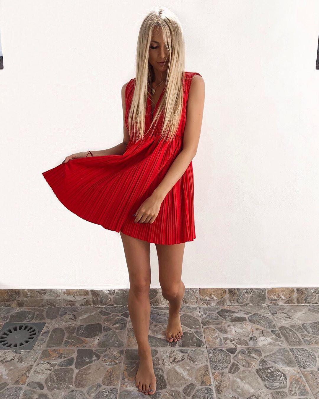 pleated poplin dress de Zara sur annisofiagerlach