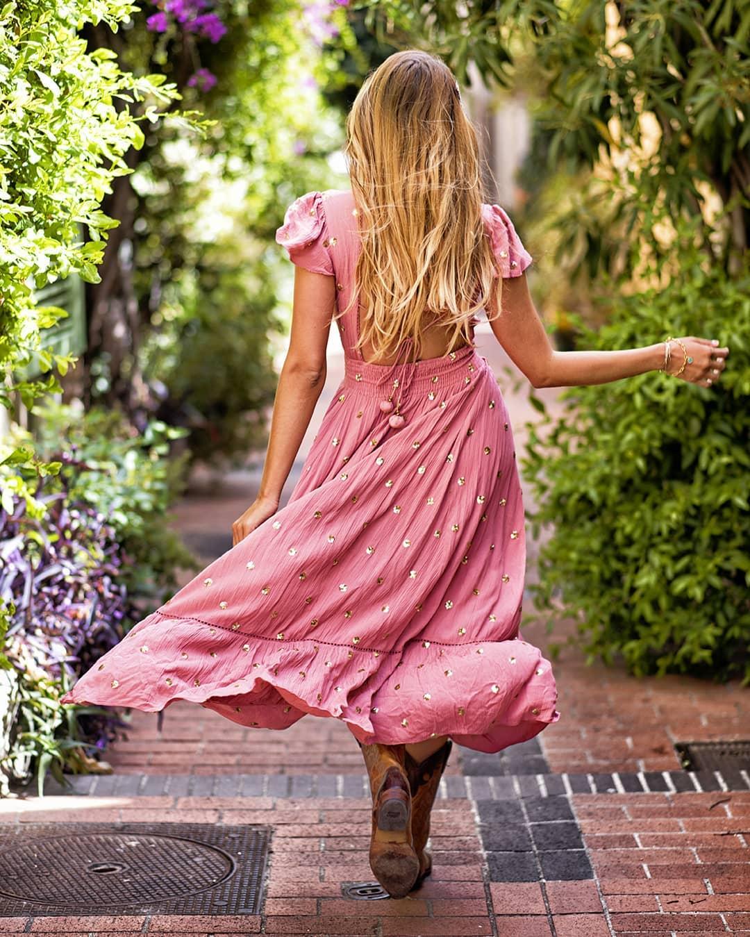 robe vieux rose a sequins de Les Bourgeoises sur oxymorecreation