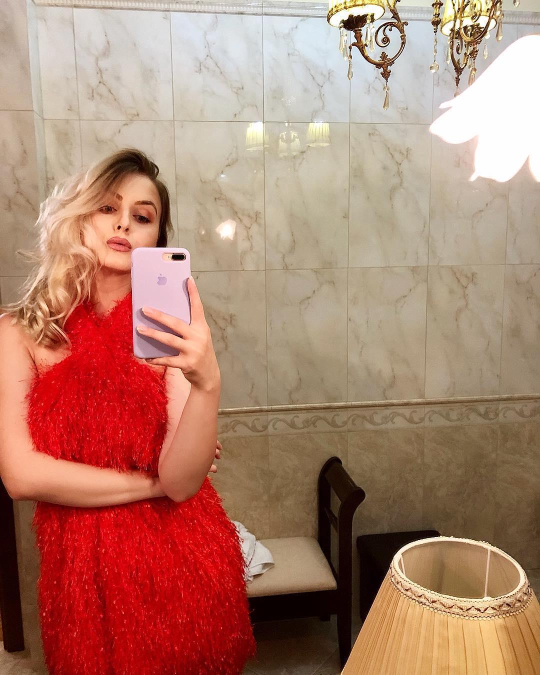 fringed american neckline dress de Zara sur princess_holly__