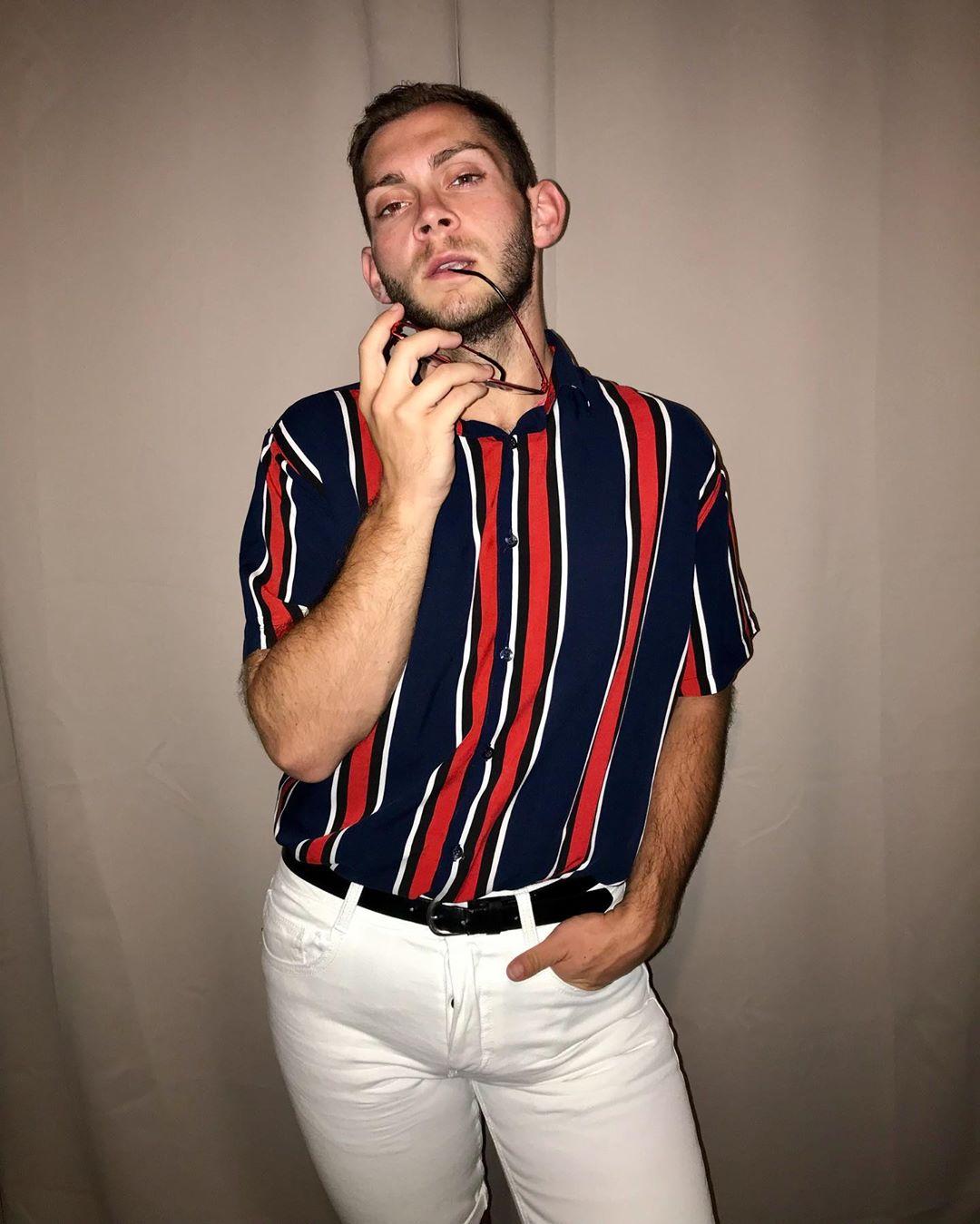 striped print fluid shirt de Bershka sur alex.tllr