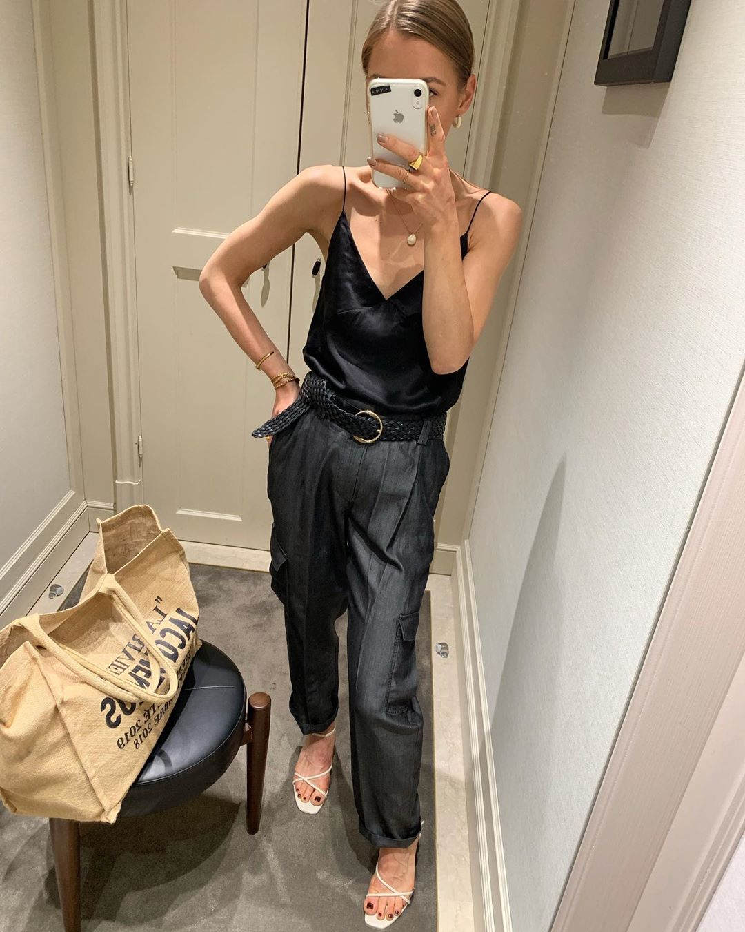 black slim fit cargo pants de Massimo Dutti sur annaaborisovna