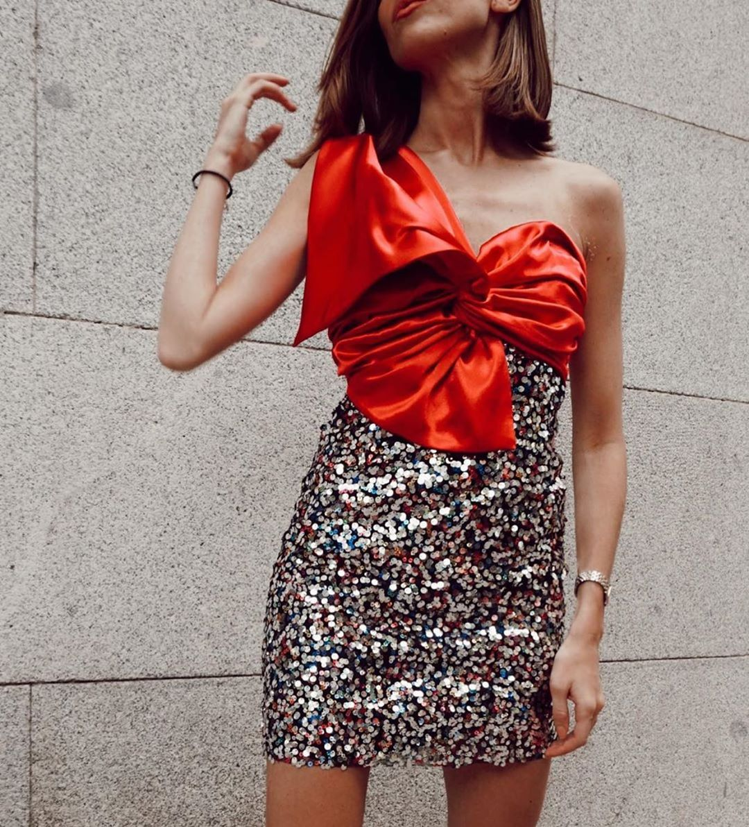 short dress with sequins and bow de Zara sur zaraaddiction