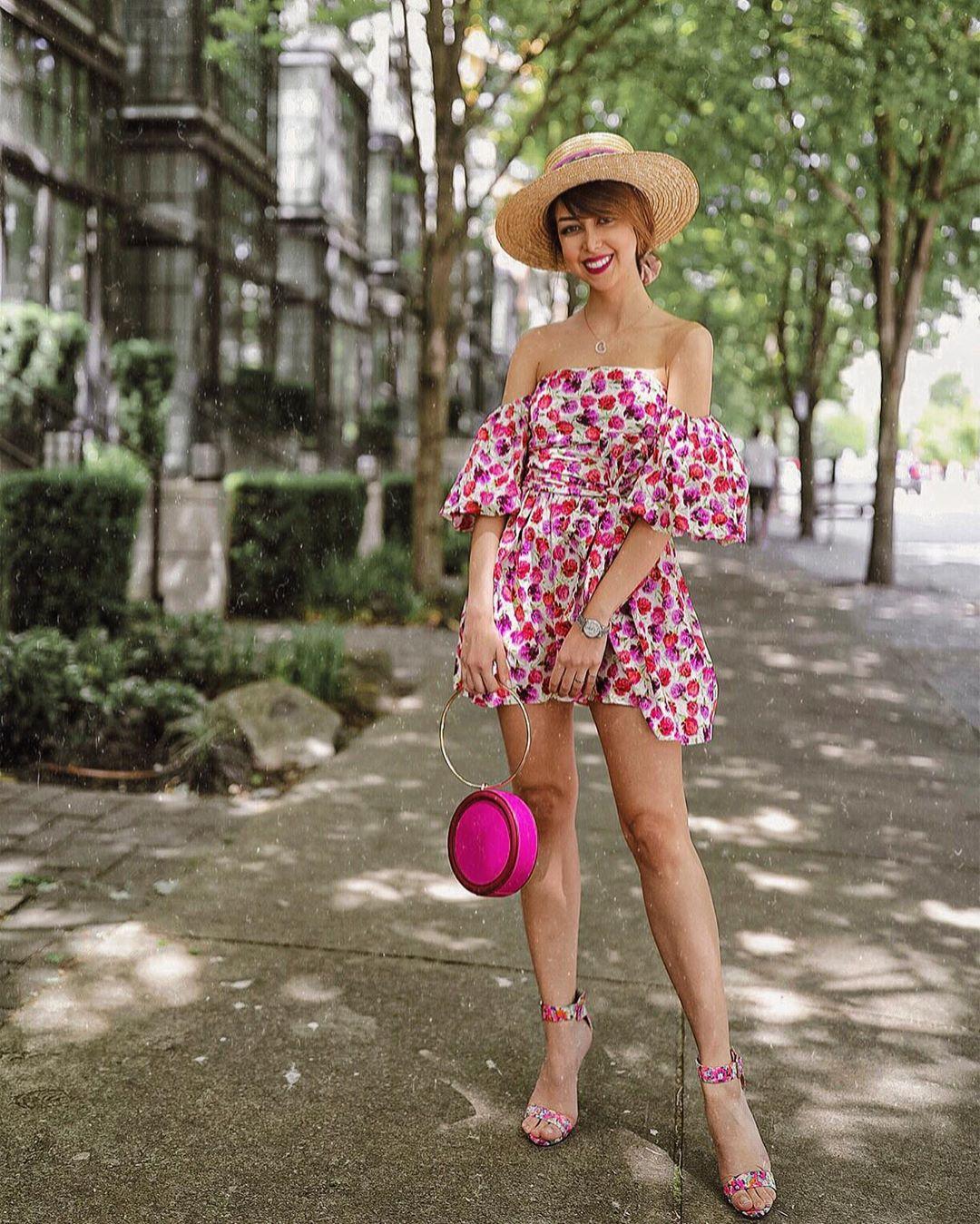 printed dress with belt de Zara sur sadafy