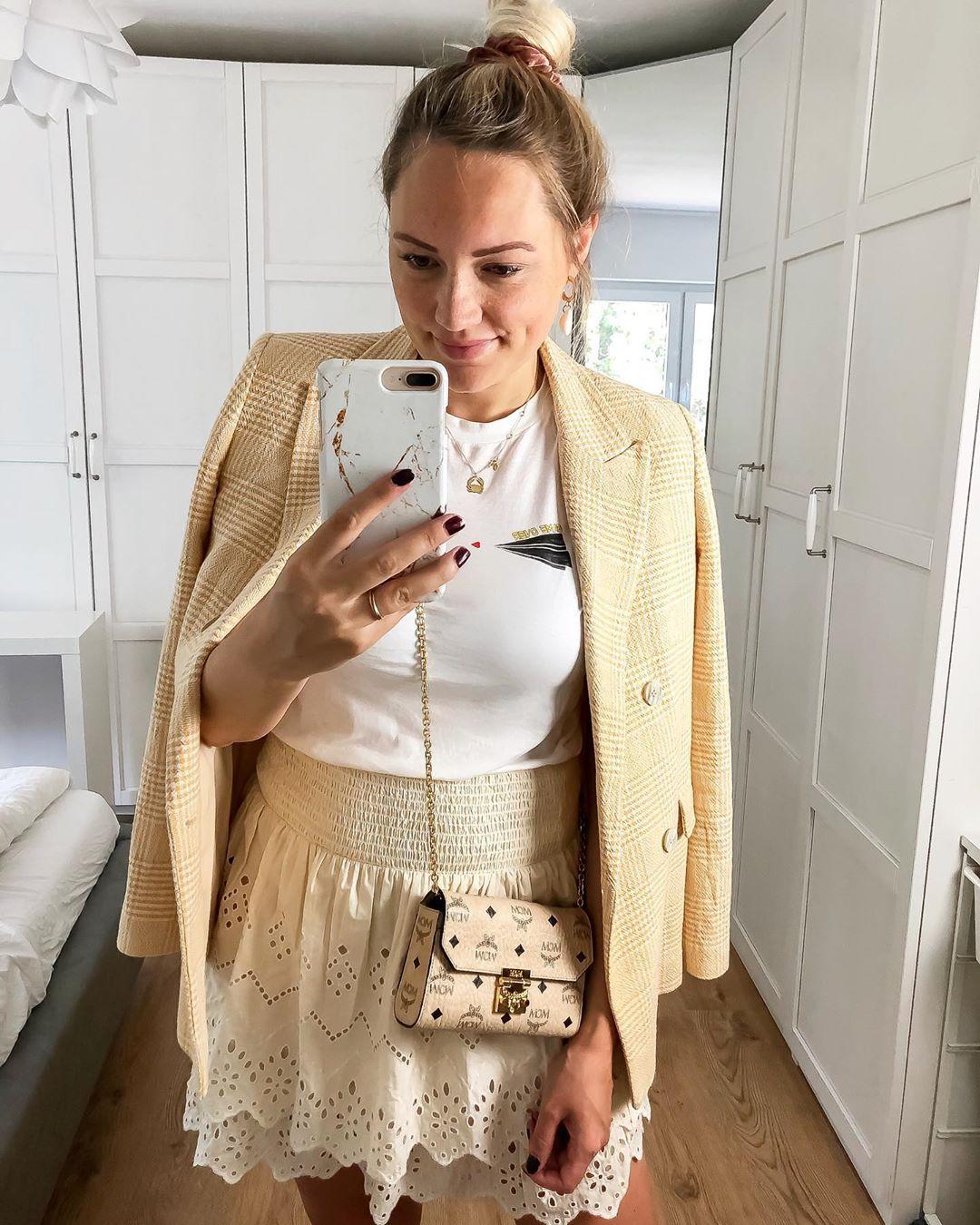 perforated embroidery skirt de Zara sur iraundbellchen