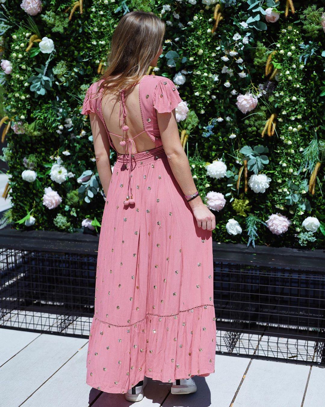 robe vieux rose a sequins de Les Bourgeoises sur lesbourgeoisesofficiel