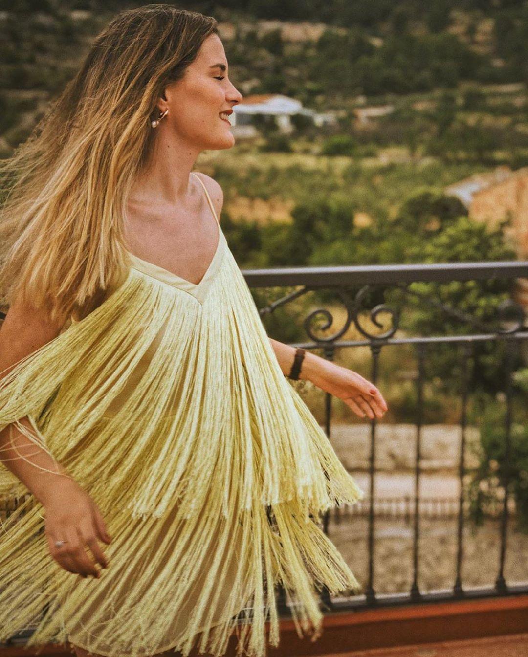 robe à franges de Zara sur zara.outfits