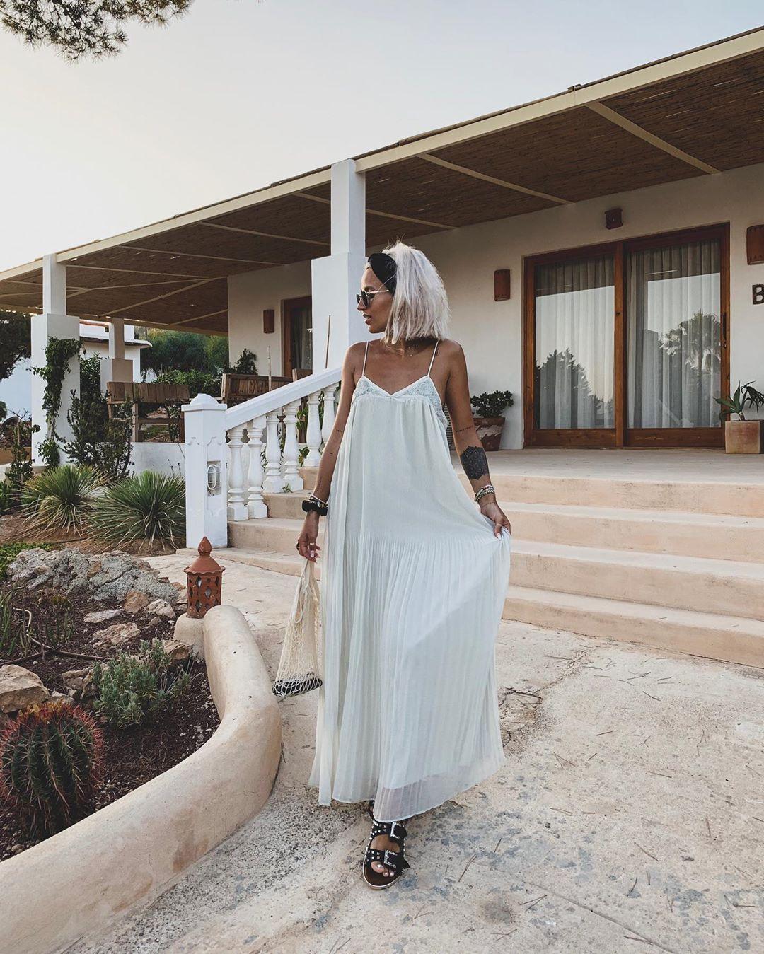 robe plissée de Zara sur noholita