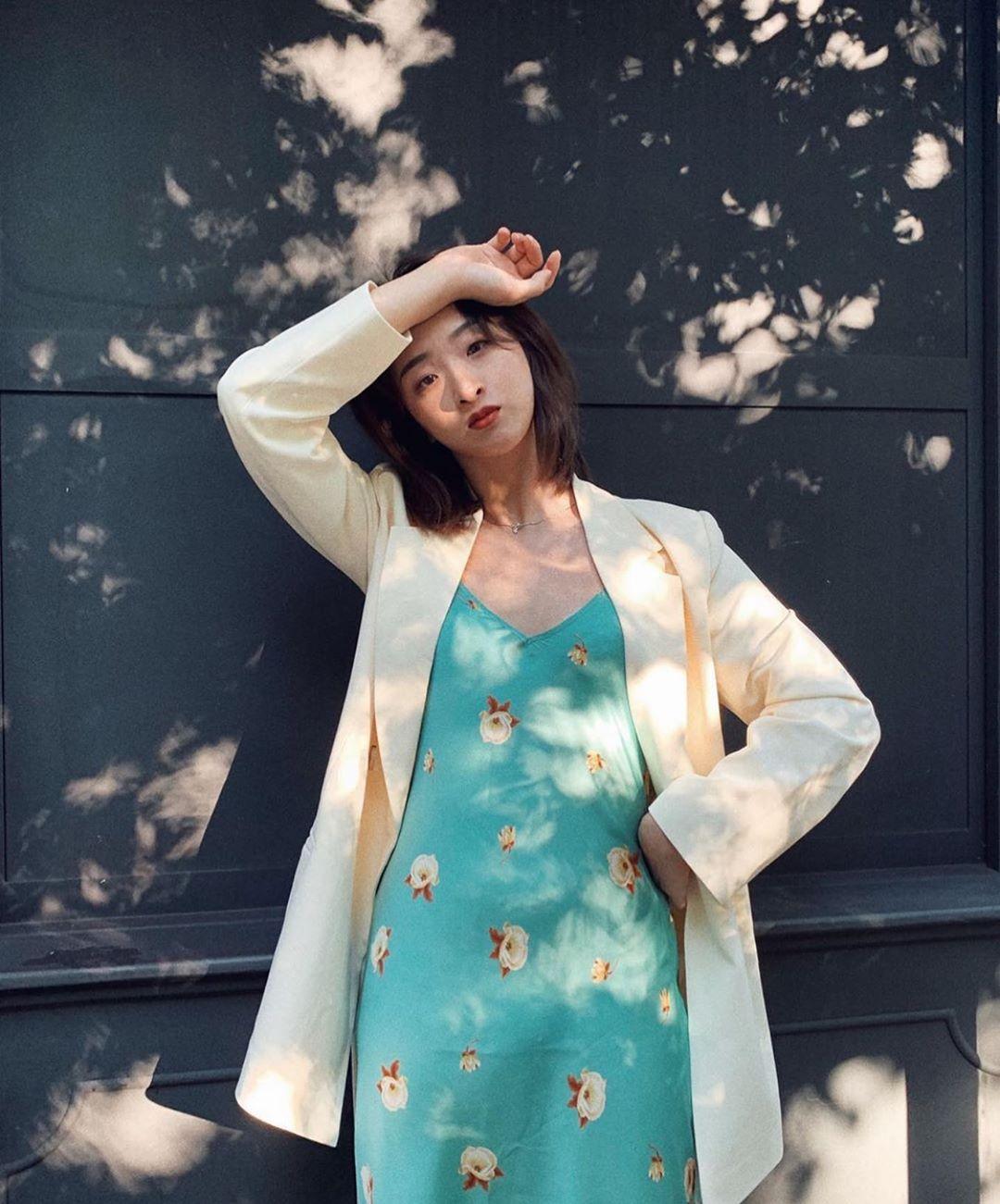 robe imprimée fleur de Zara sur zara.mania