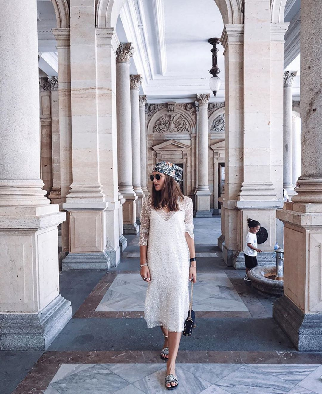 robe à paillettes de Zara sur zara.mania