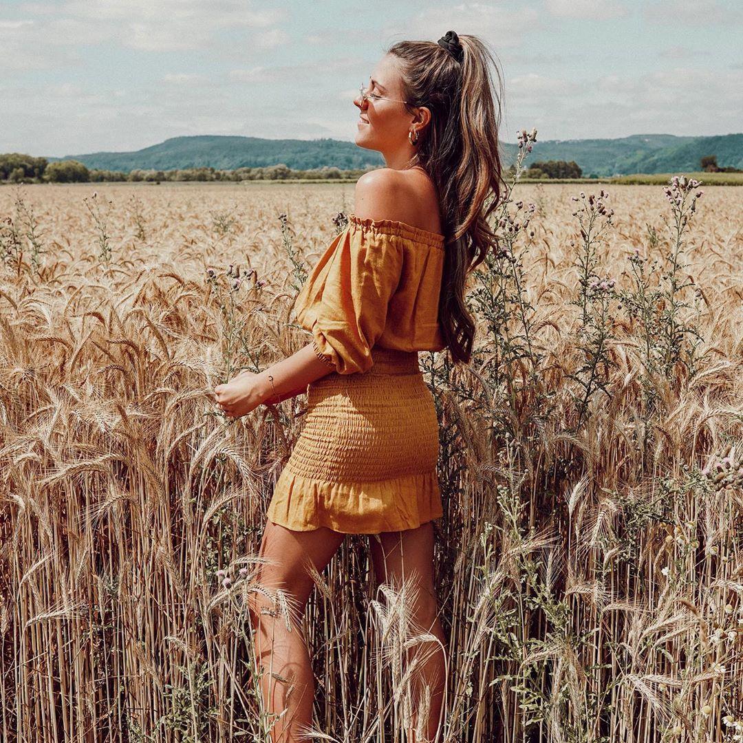 raw effect dress de Zara sur _dolce__deborina