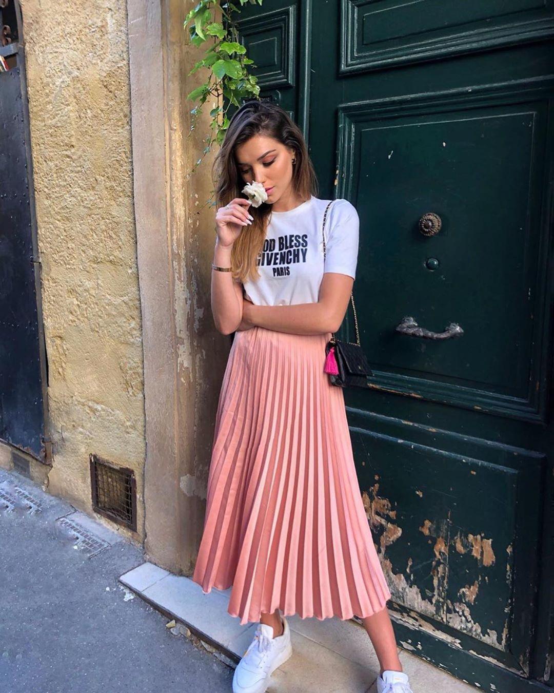 jupe plissée de Zara sur zara_streets