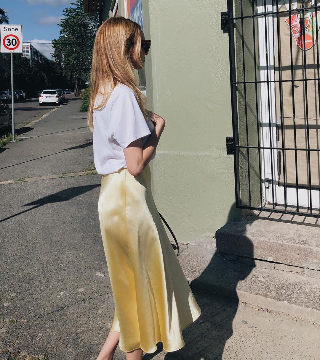 satin skirt de Zara sur hegeaurelie