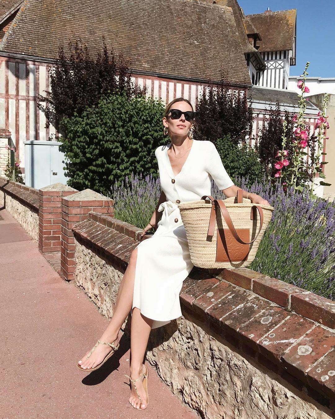 robe côtelée avec ceinture de Massimo Dutti sur manondurst