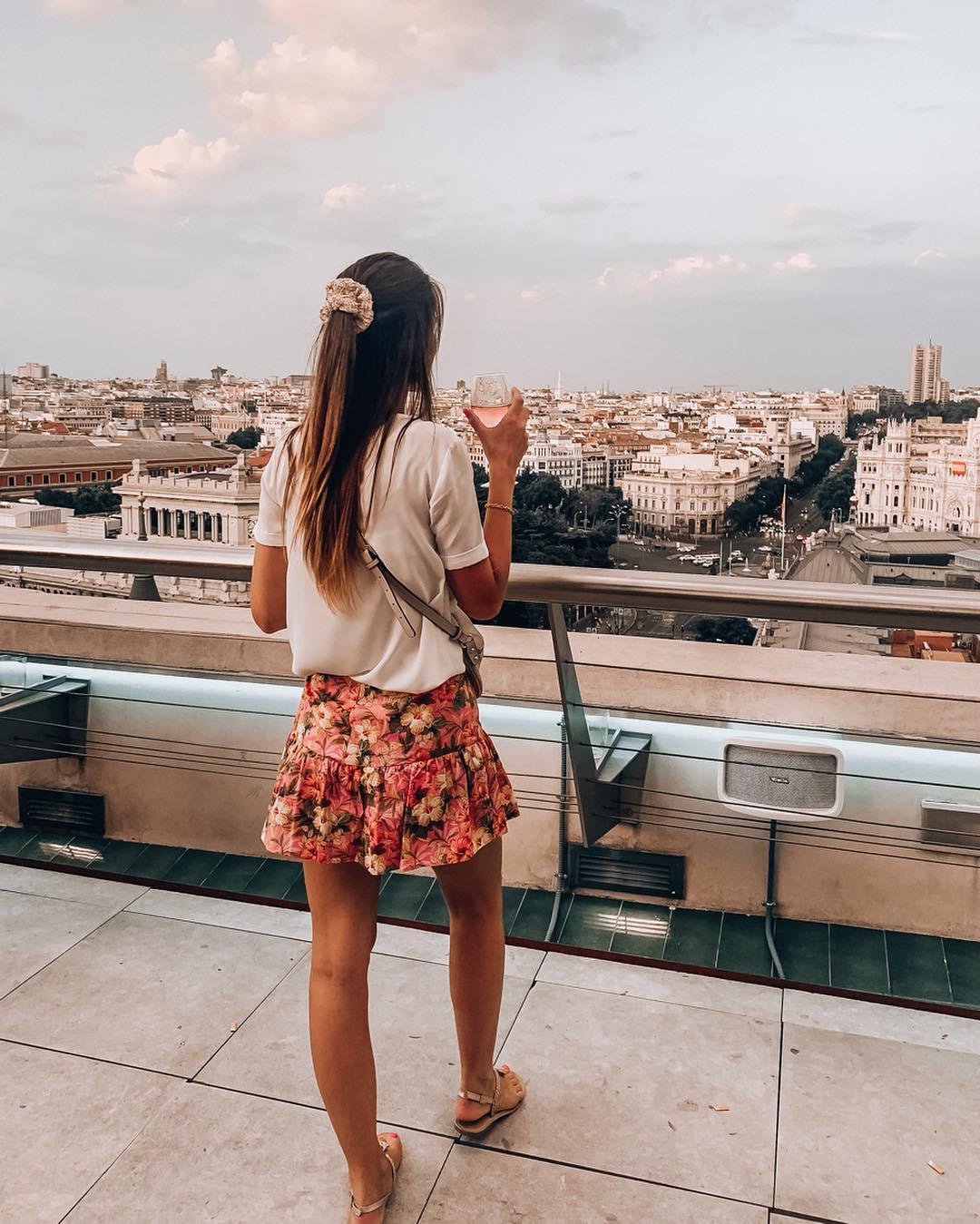 floral print skirts de Zara sur nooomsworld