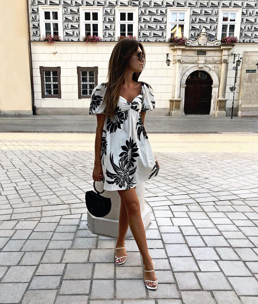 natural oval shoulder bag with glassware de Zara sur spodenkimoje