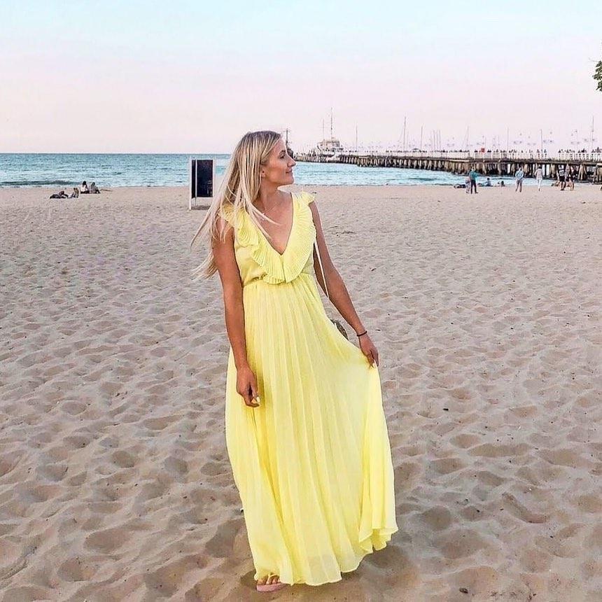 robe plissée de Zara sur zara_streets