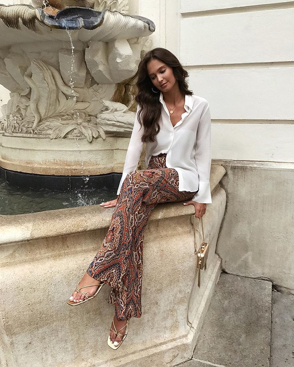 pantalon flare imprimé de Zara sur stylegator