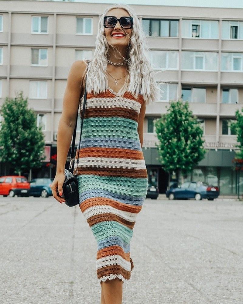 striped crochet dress de Zara sur the.diary.of.a.chic.mommy
