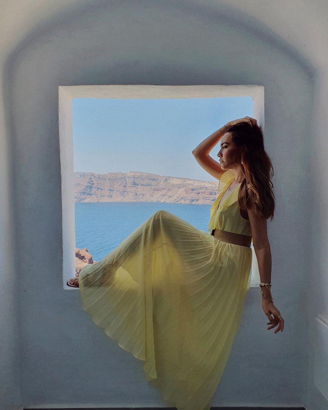 pleated dress de Zara sur lizmaryfields
