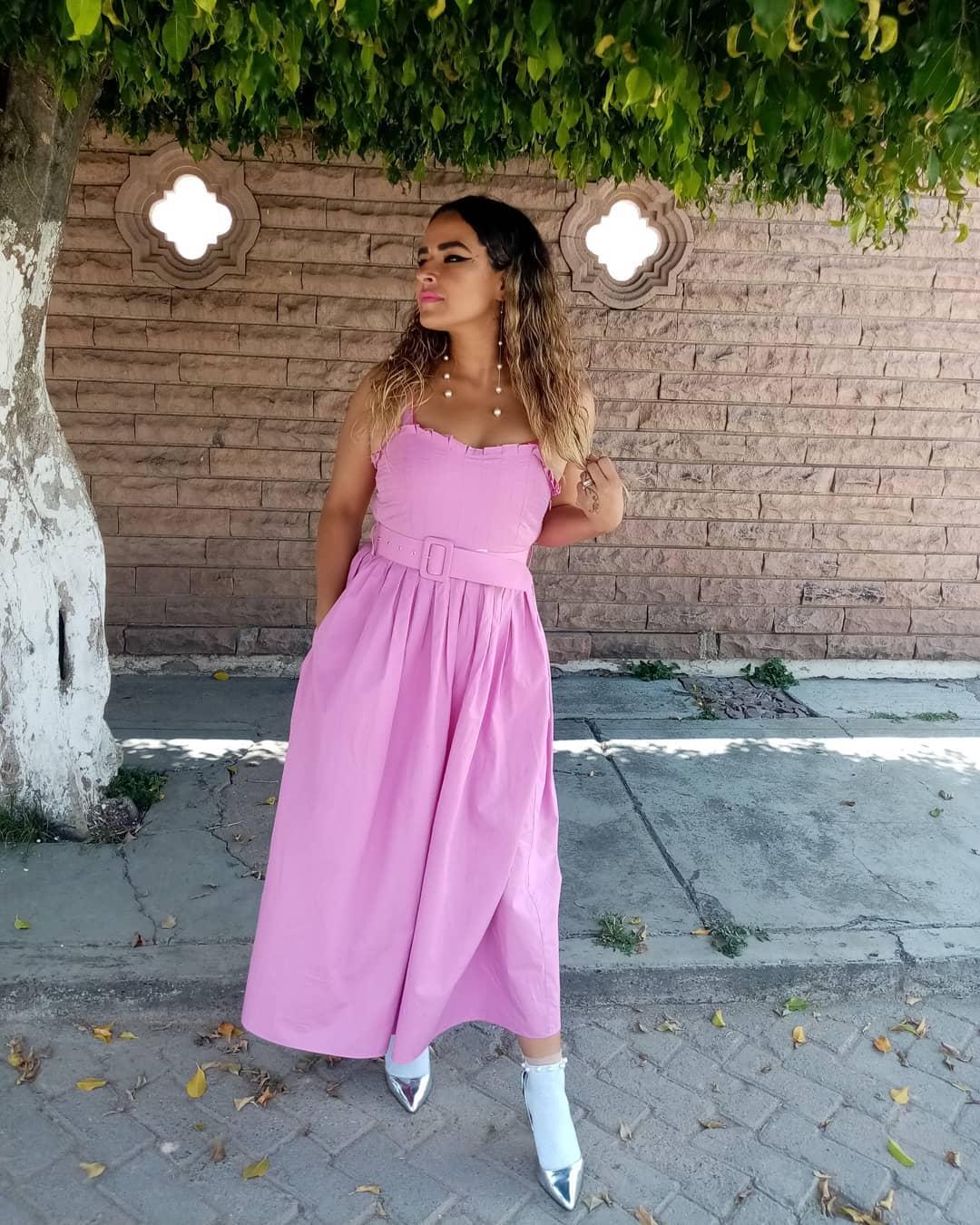 poplin dress with belt de Zara sur mina1689hm