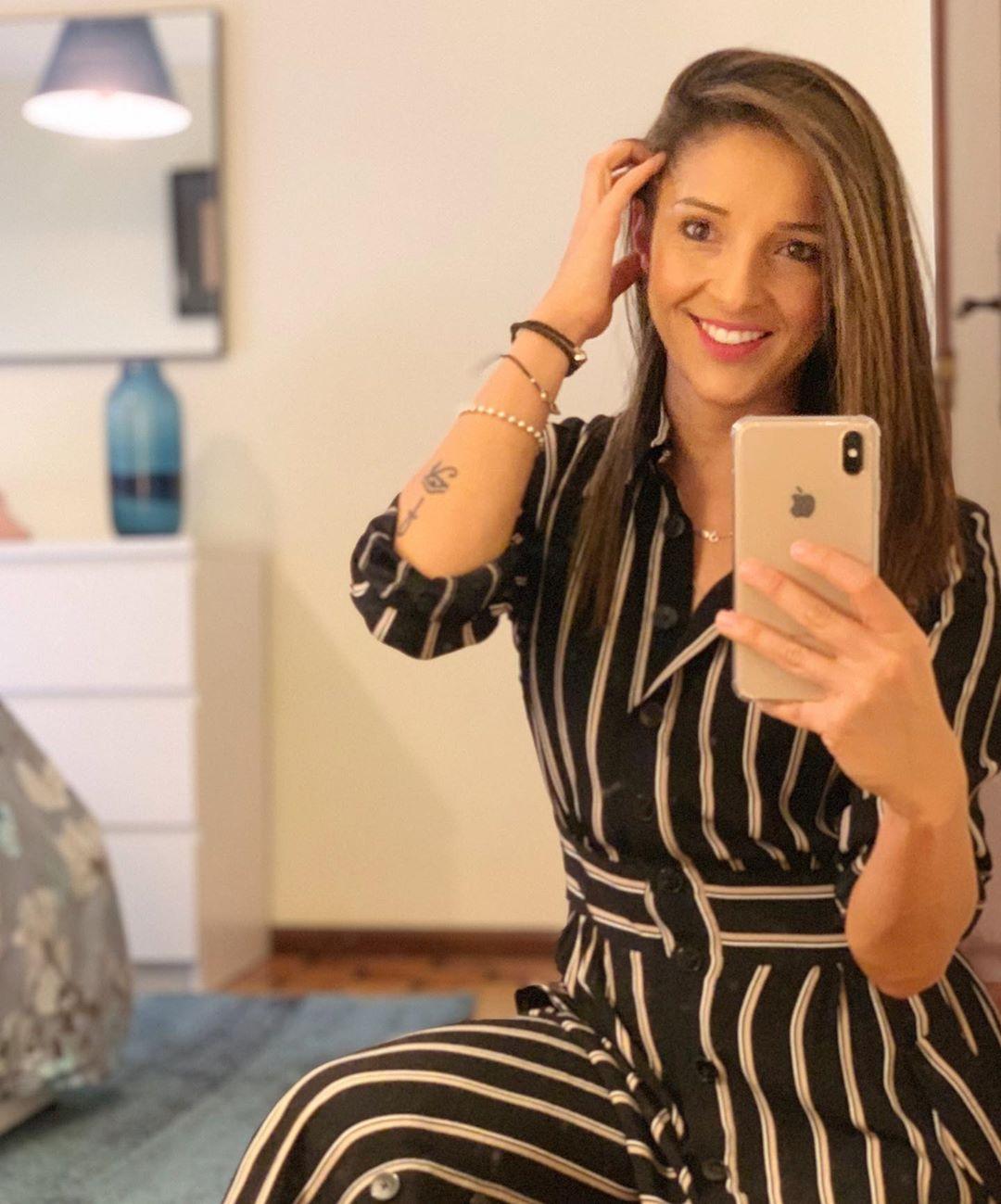 striped dress flaps de Massimo Dutti sur lipinha_gomez