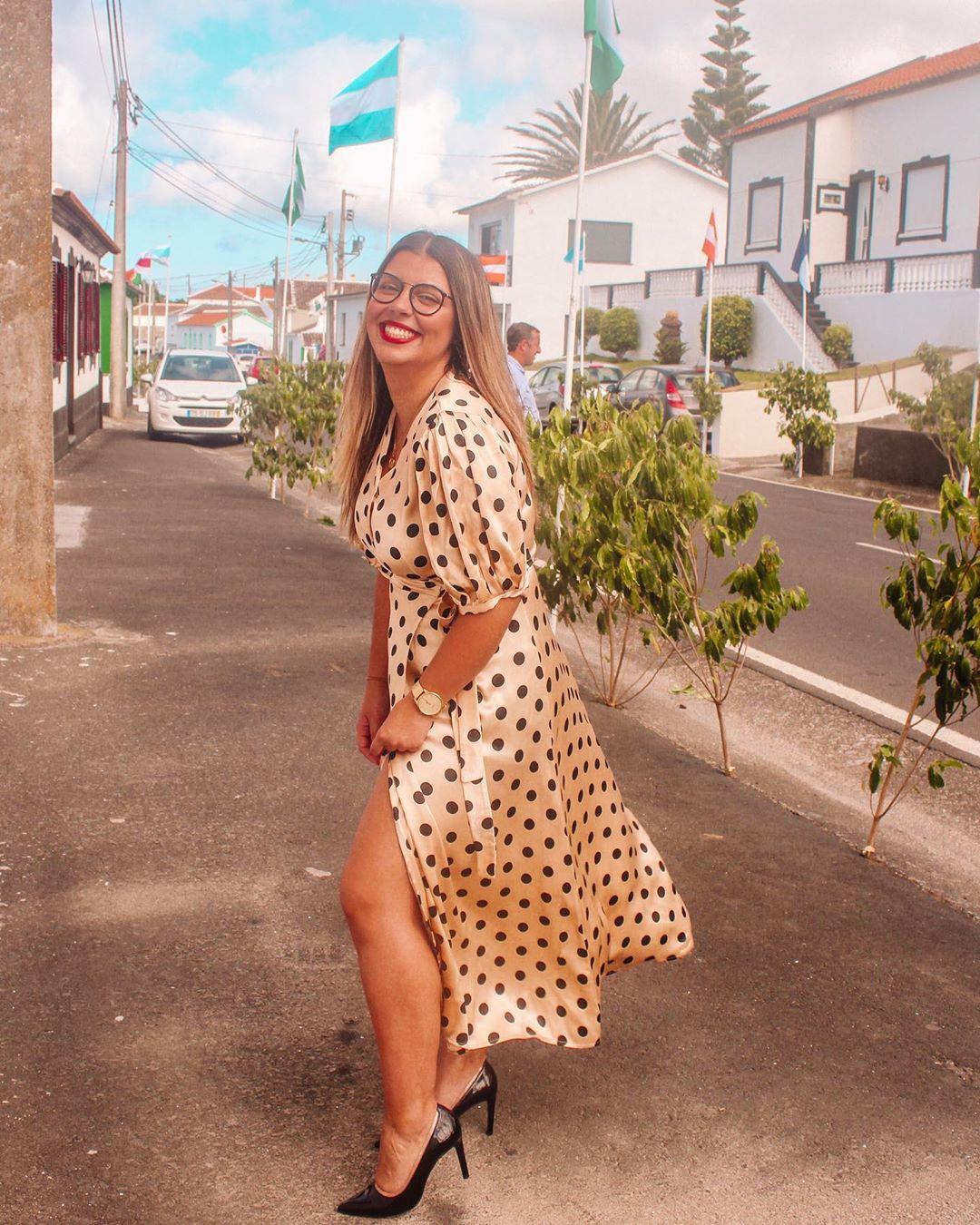 polka dot wrap dress de Zara sur linapinheiroo