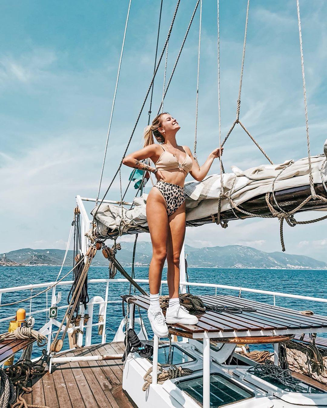 textured bikini set de Bershka sur romy