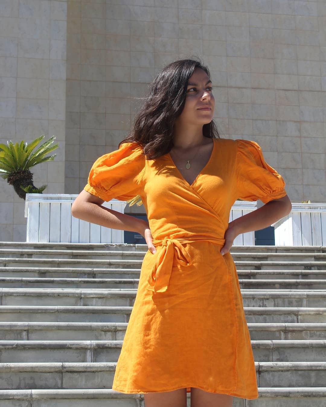 crossover linen dress de Zara sur susana.de.almeida