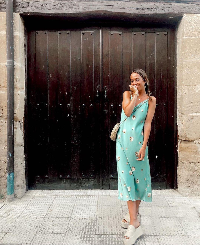 robe imprimée fleur de Zara sur zara.outfits