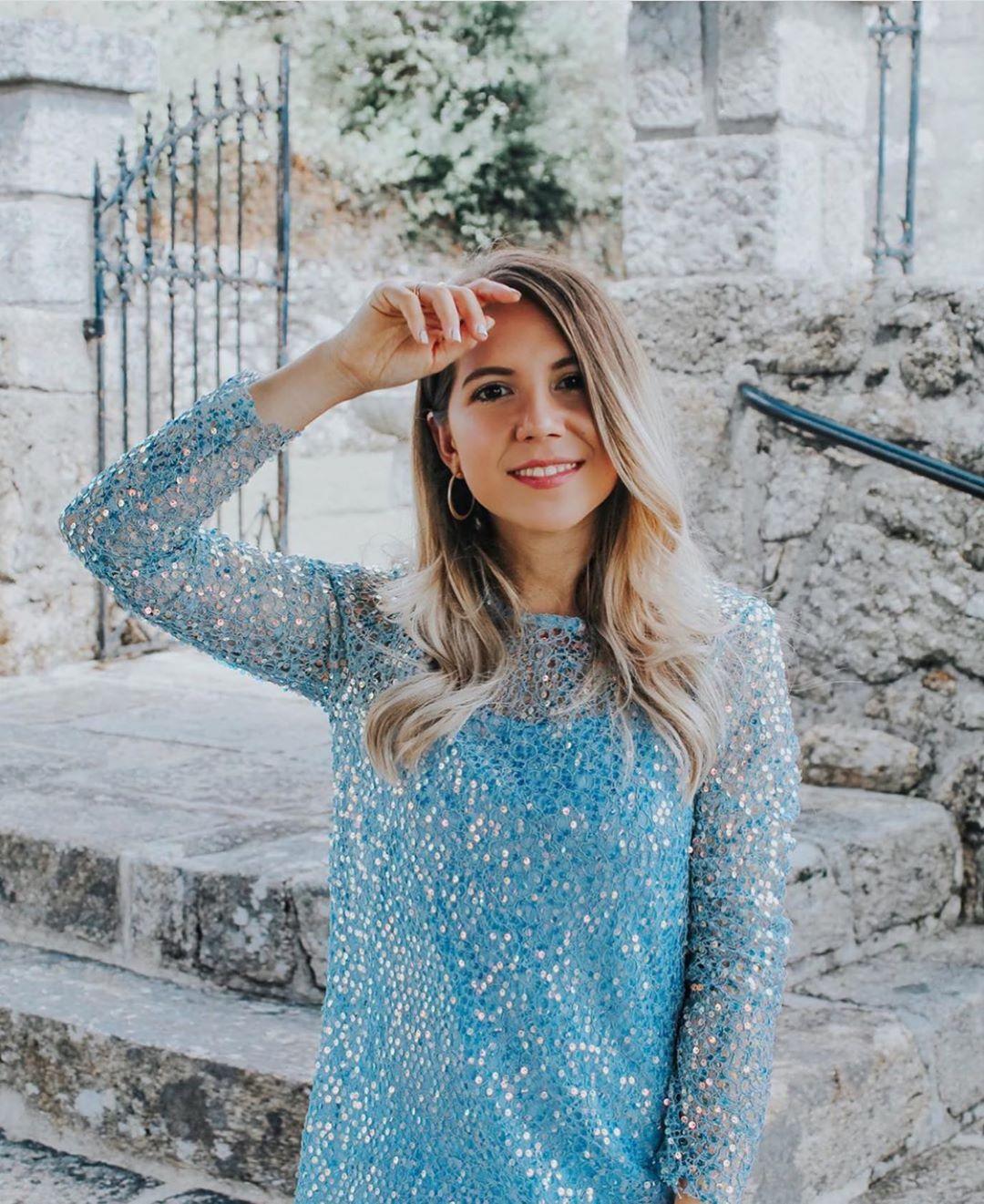 robe à paillettes de Zara sur zara.outfits