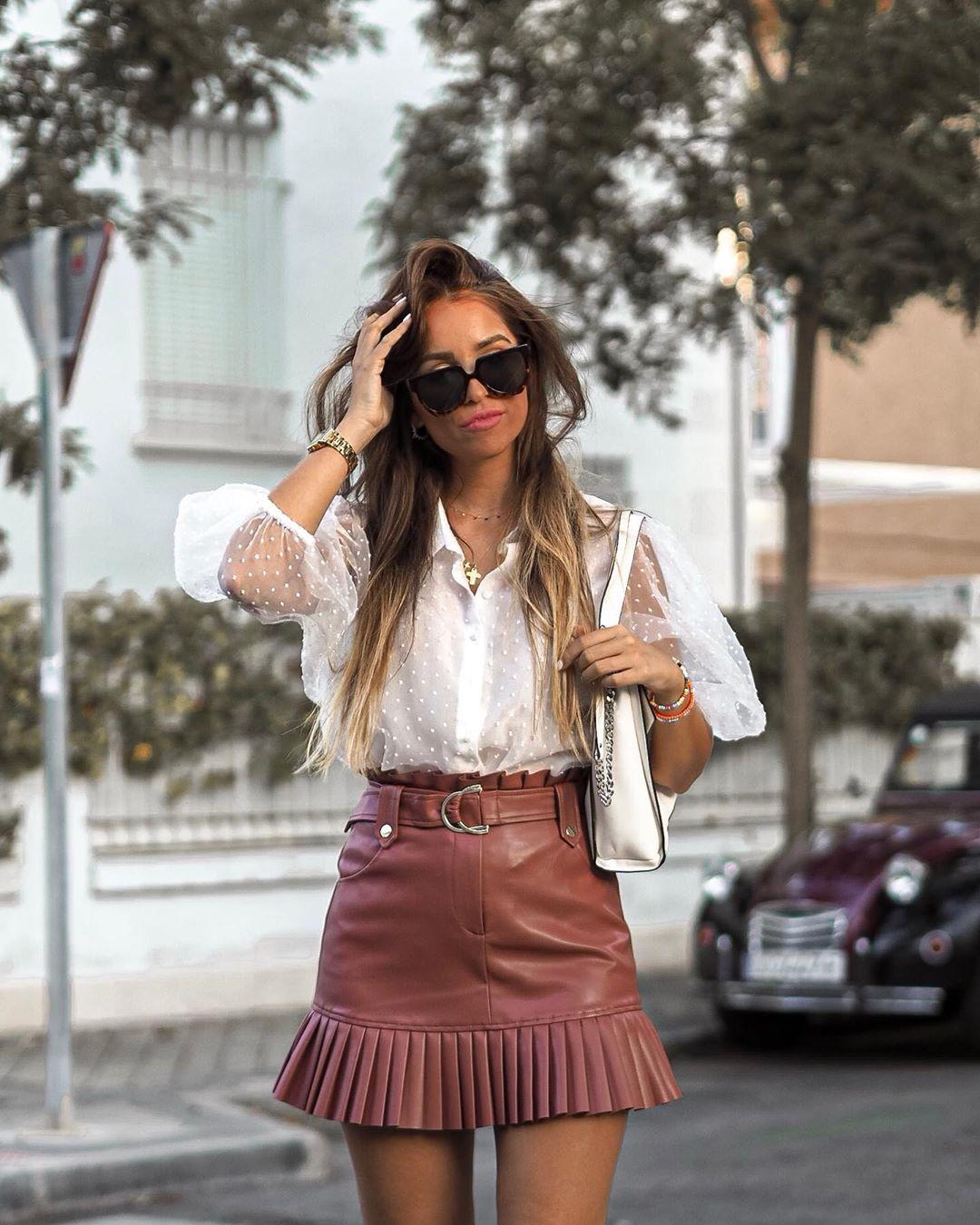 semi-transparent plumetis blouse de Zara sur anushkatuska