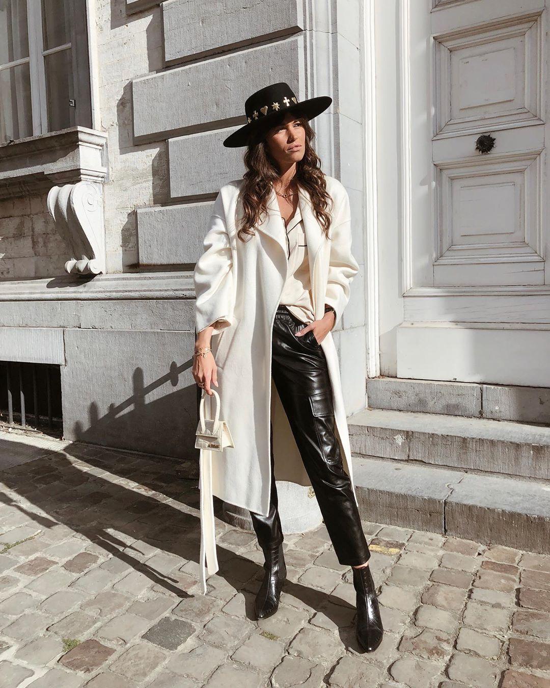 pantalon cargo en cuir synthétique de Zara sur alisontoby