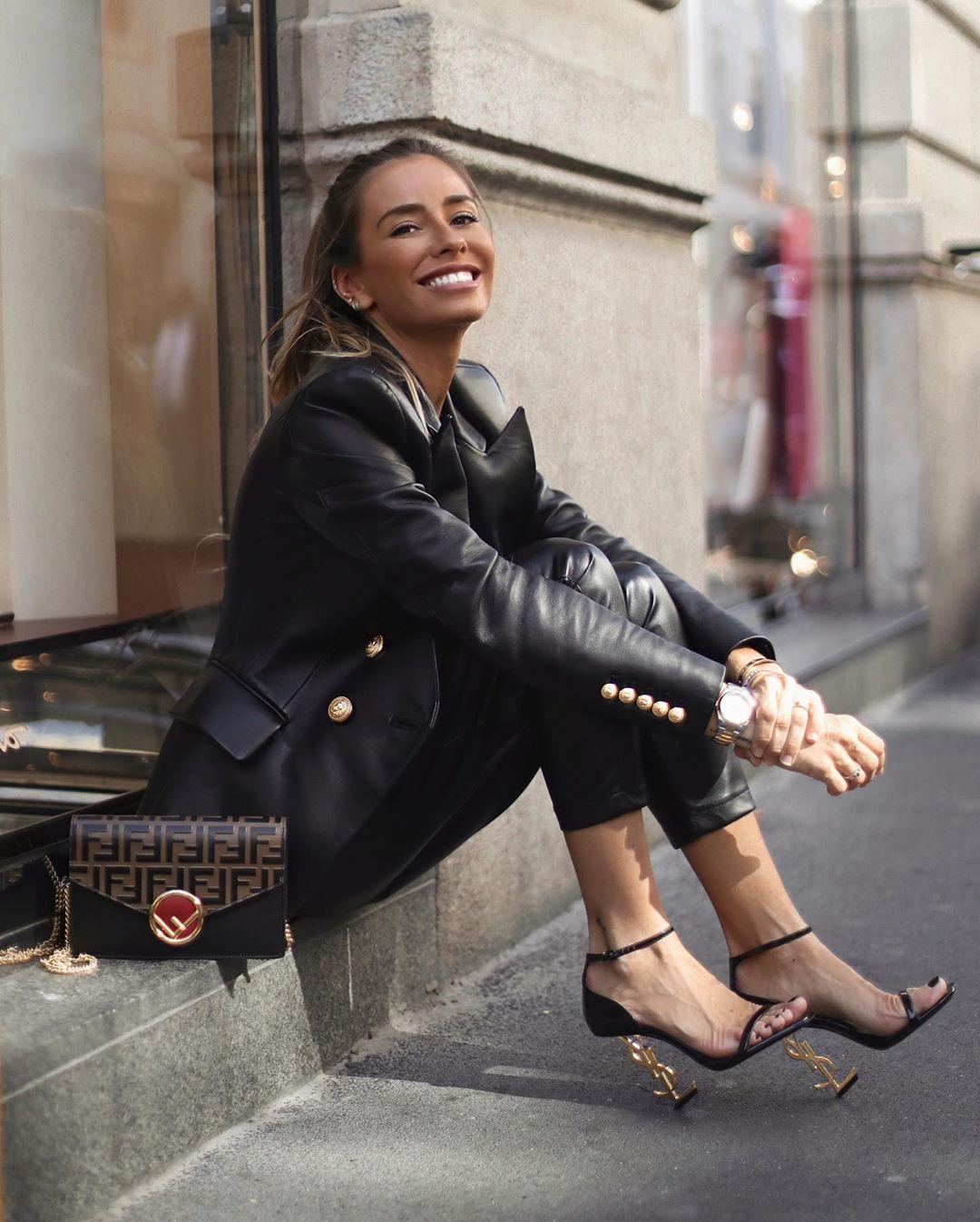 synthetic leather cargo pants de Zara sur martacarriedo