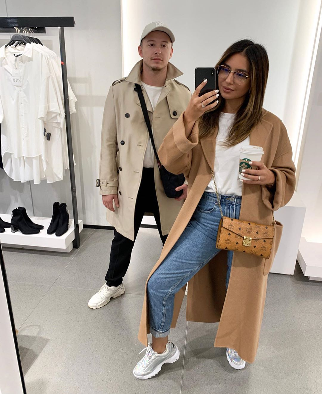 coat with pockets and belt de Zara sur gigirella_
