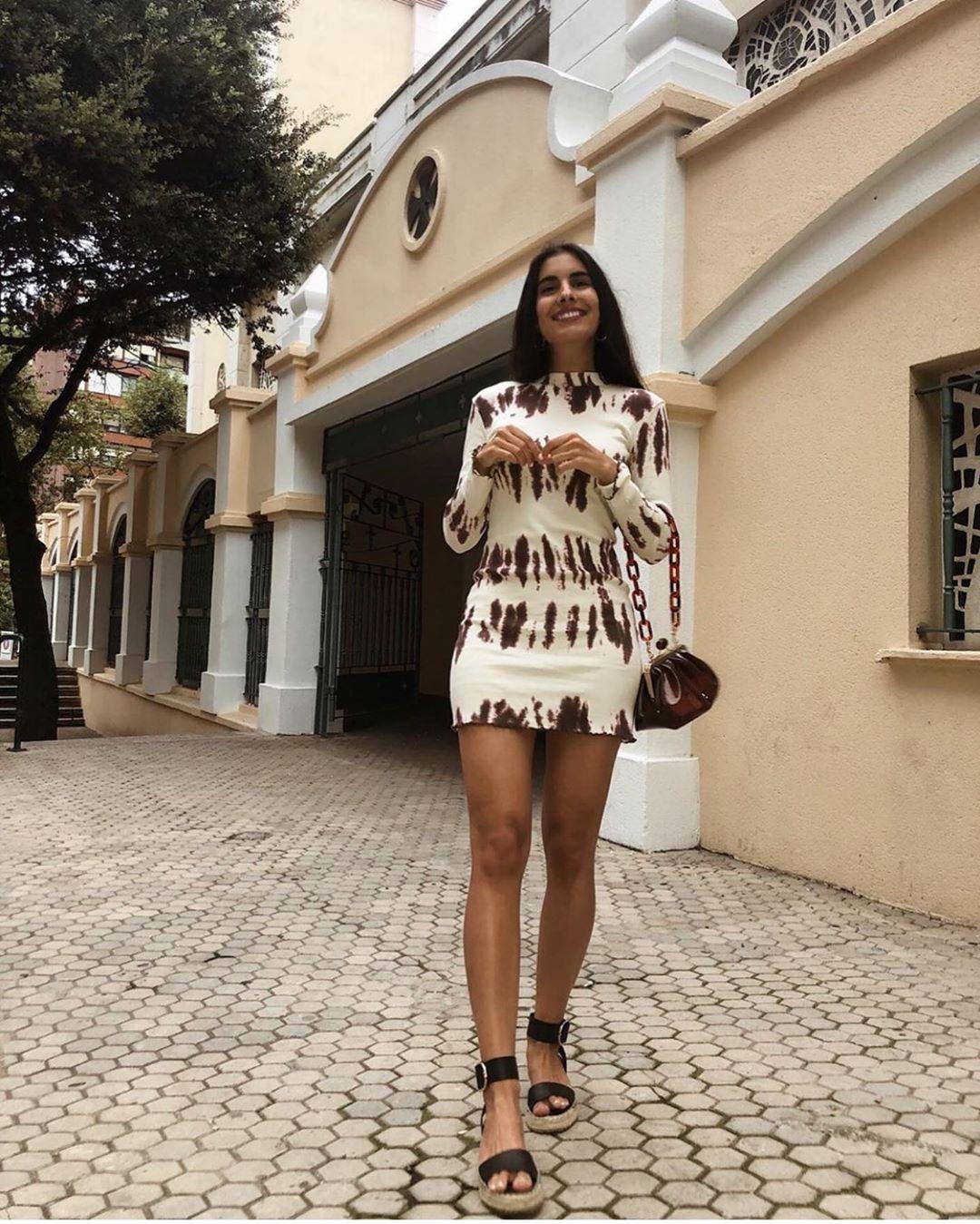 chaussures en cuir avec petits talons compensés et bride de Zara sur zara.outfits