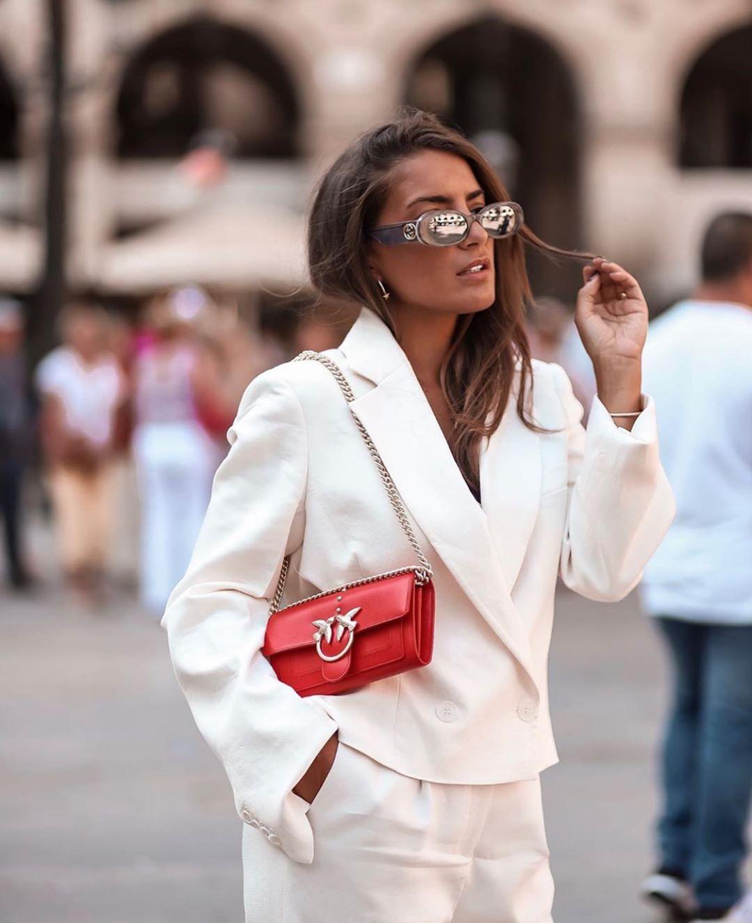 veste courte à boutons de Zara sur zara.outfits