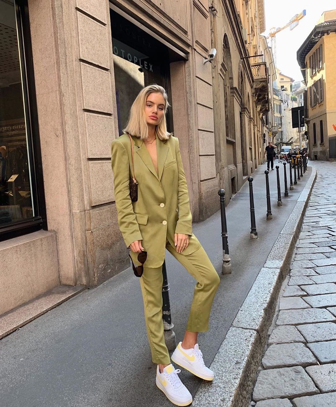 satin trousers de Zara sur zarastreetstyle