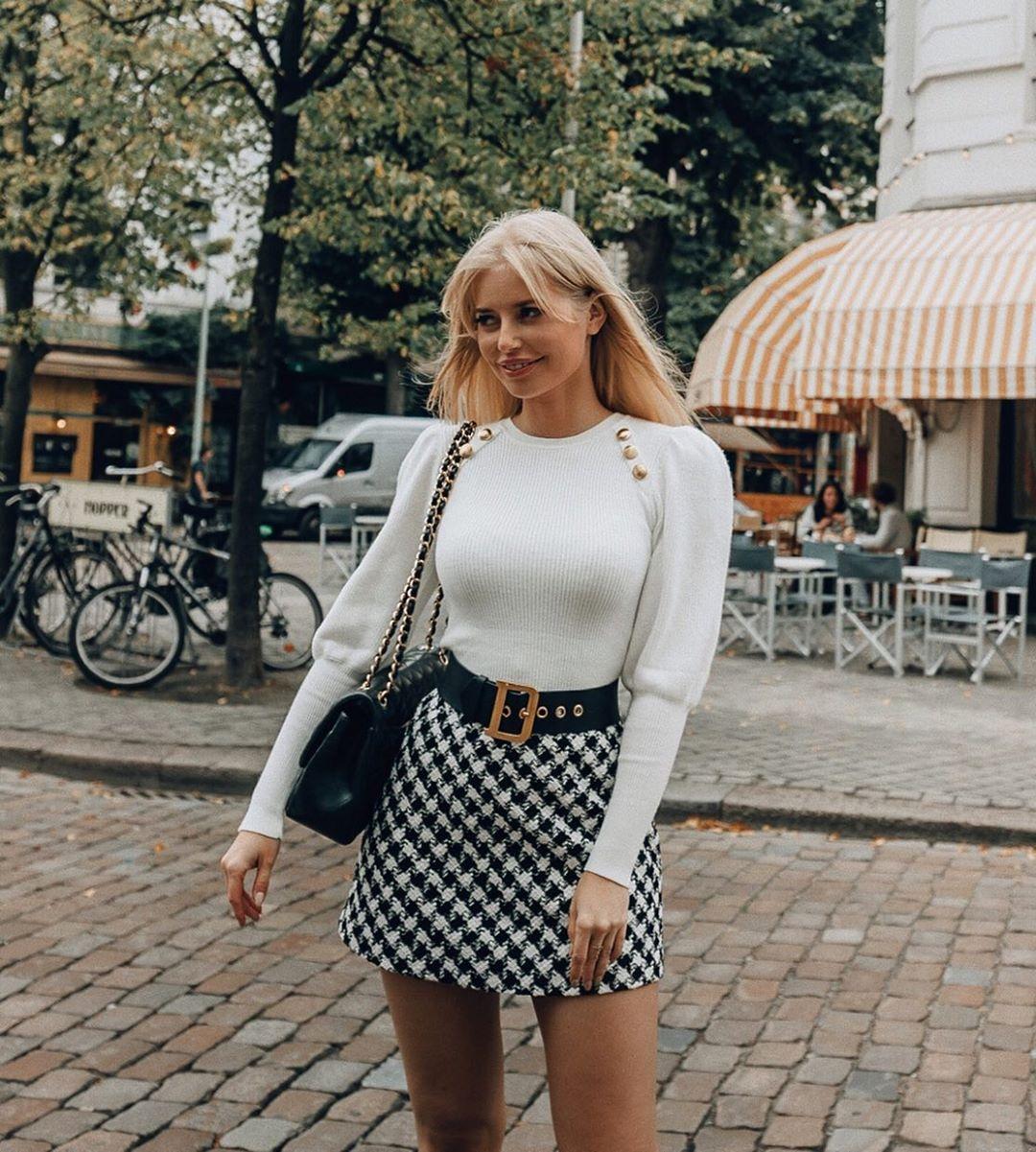 mini jupe en tweed de Zara sur annabelpesant
