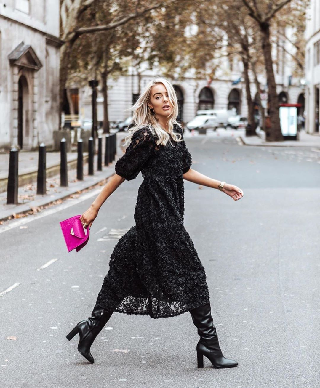 structured dress de Zara sur zarastreetstyle