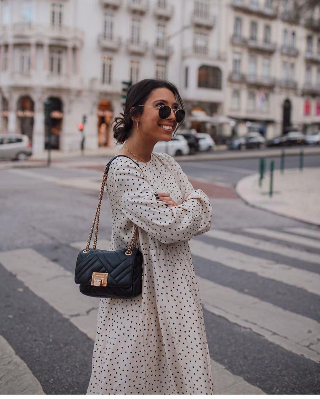 robe à effet froissé de Zara sur zara.outfits