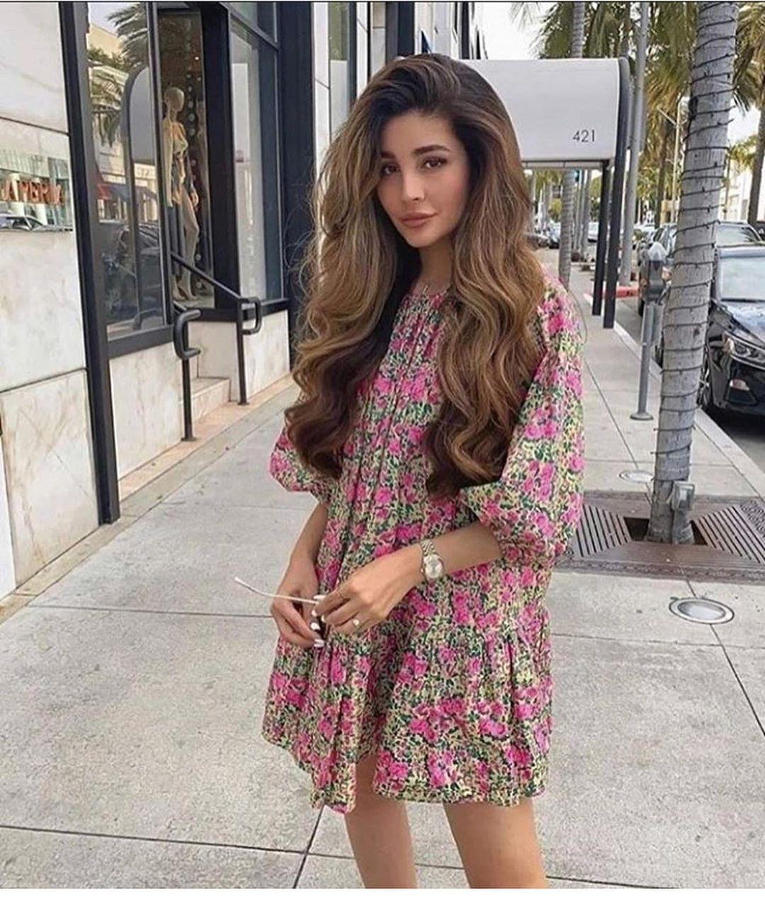 volume printed dress de Zara sur look_by_zara_hm