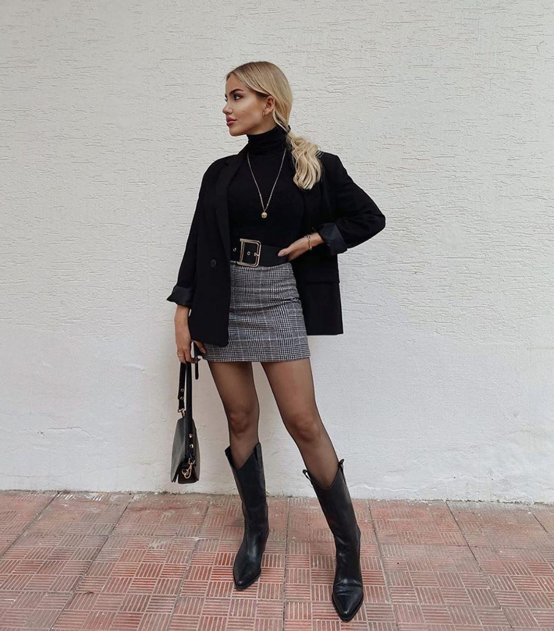 pleated plaid skirt de Zara sur zarastreetstyle