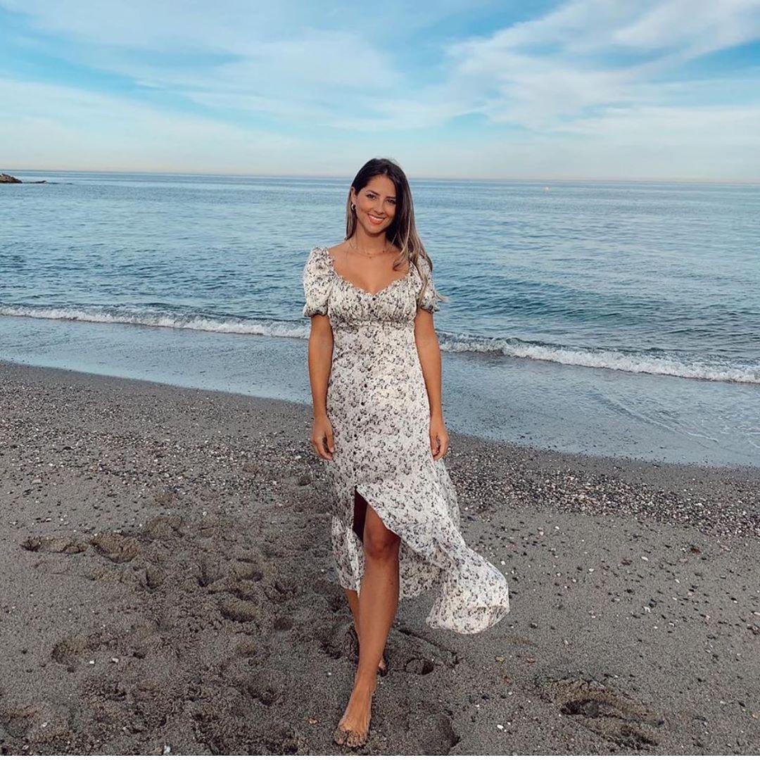 robe en satin imprimée de Zara sur zara.outfits