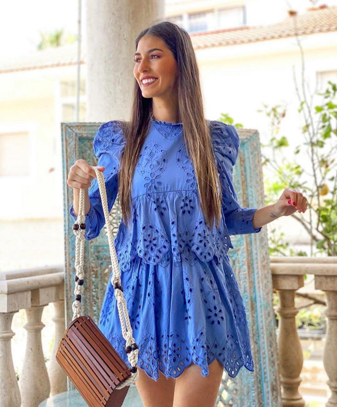 robe brodée et perforée de Zara sur zara.outfits