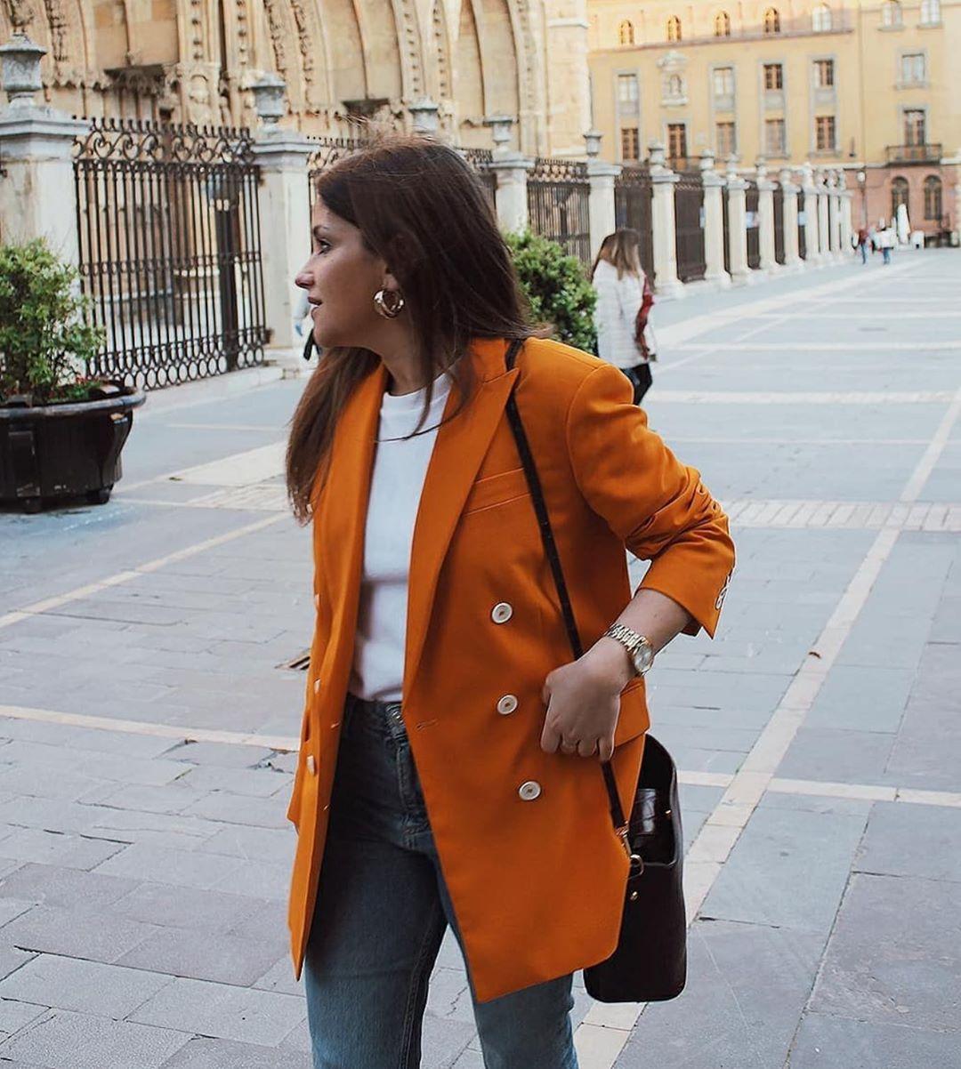 veste avec bouton en contraste de Zara sur zara.outfits